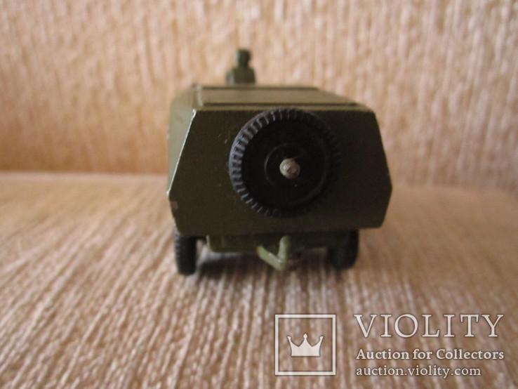 Модель Бронированного автомобиля с пулеметчиком, фото №7