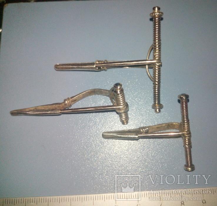 Три серебряные фибулы ЧК ., фото №5