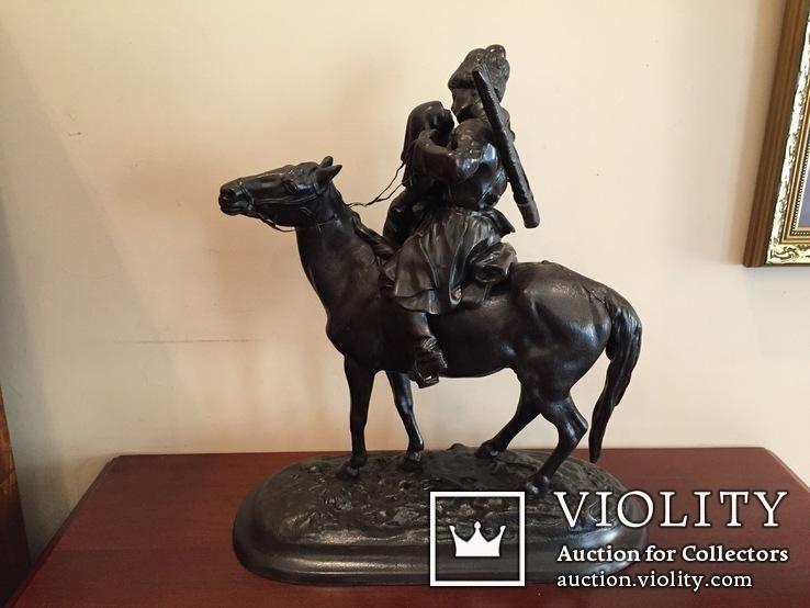 Большая скульптура «Прощание казака с казачкой» Касли, 1913г