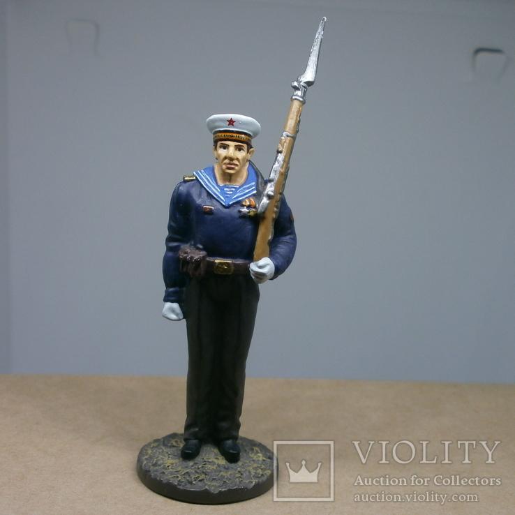 Матрос гвардейских частей ВМФ в парадной форме для строя 1945. Олово, раскрас, фото №2