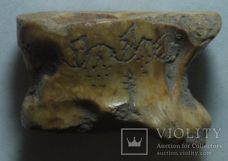 Игральная (гадальная) кость (альчик) с сюжетом, фото №3