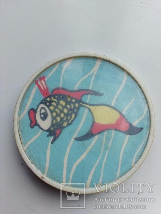 Нагрудный значок, золотая рыбка, фото №2