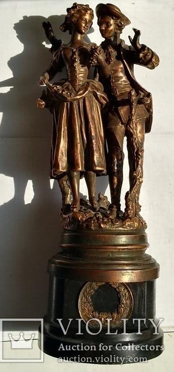 Скульптура «Влюблённая парочка»