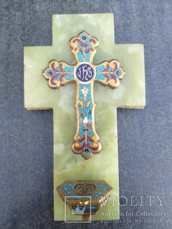 Бронзовый крест в эмалях, камень