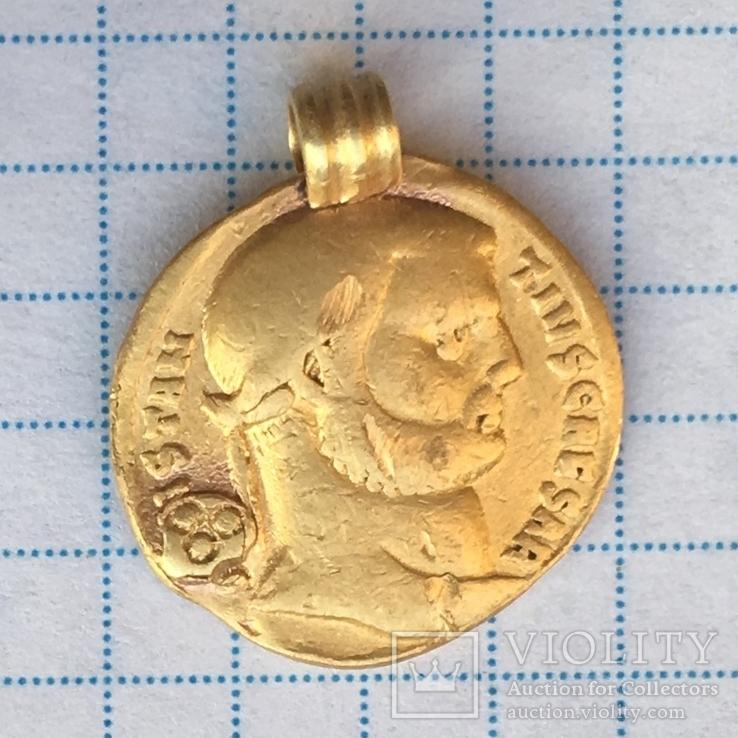 Ауреус Констанция Хлора с титулом Цезаря