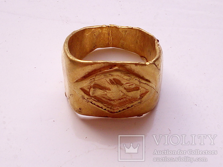Римский золотой перстень.