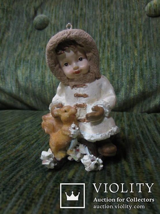 77. Ёлочная игрушка ,Девочка с белкой, 20-30-е гг ХХ в., Германия.