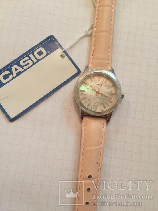Лот 0048 Новые женские часы Casio (оригинал) LTP-1324L-4ADF DI