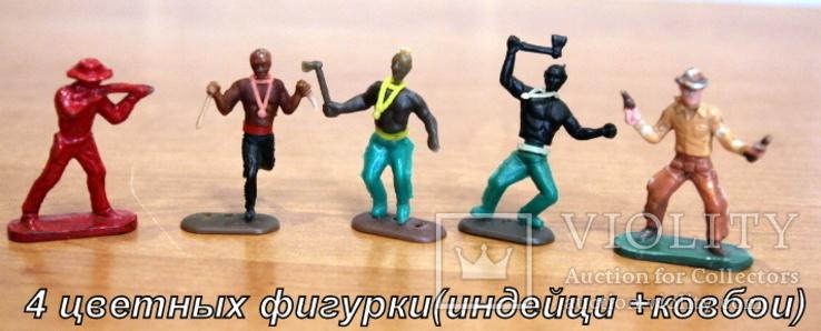 Лот из 5-ти цветных фигурок. 3 индейца и 2 ковбойца