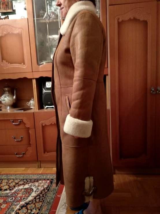 Тепла жіноча дубленка с капюшоном, розмір 50