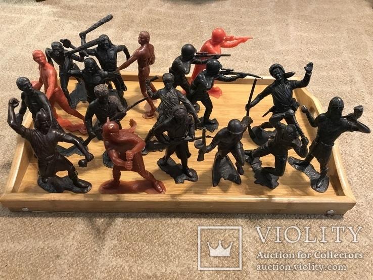 18 больших солдатиков донецкой фабрики игрушек, фото №3