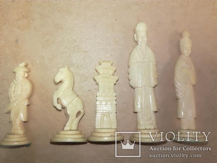 Шахматы старинные с фигурками из кости. Футляр., фото №5