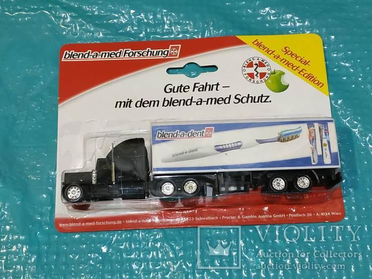 Грузовик из Германии с рекламой, фото №2