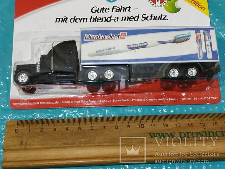 Грузовик из Германии с рекламой, фото №3