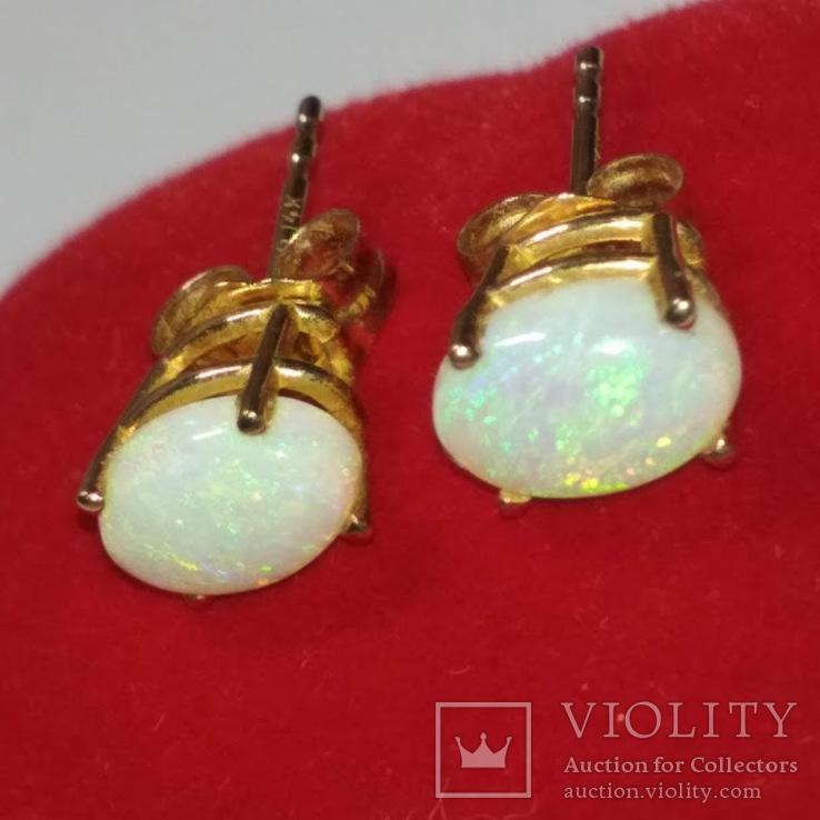 Миниатюрные золотые серьги-гвоздики с натуральными опалами, фото №3