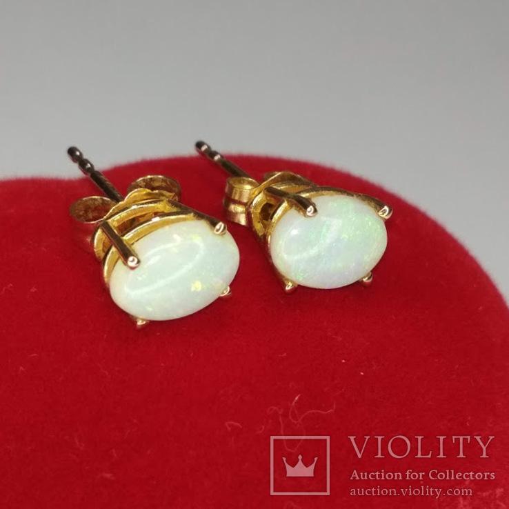 Миниатюрные золотые серьги-гвоздики с натуральными опалами, фото №5