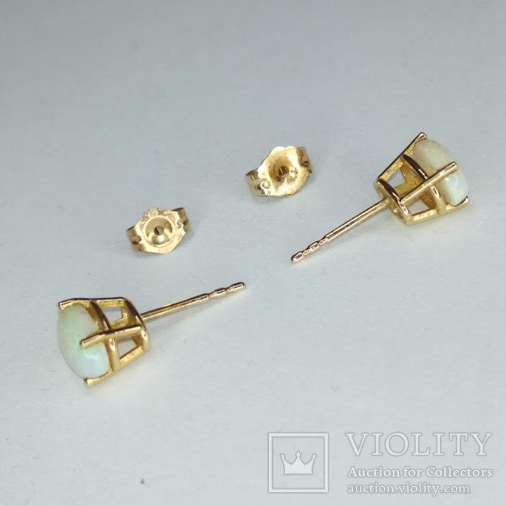 Миниатюрные золотые серьги-гвоздики с натуральными опалами, фото №8