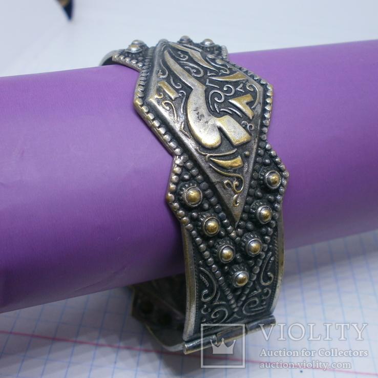 Восточный чеканный браслет с арабскими символами. Винтаж, фото №3