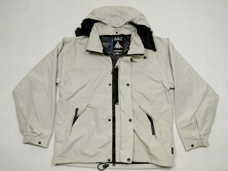 Легкая швейцарская куртка фирма matterhorn