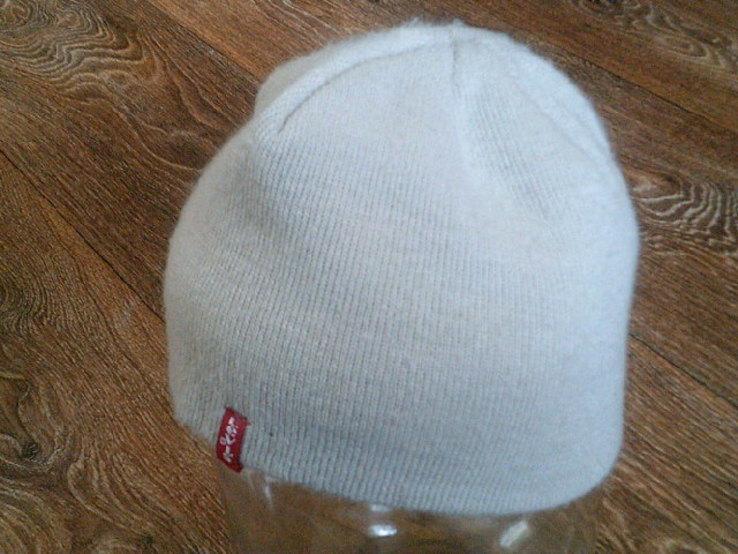 Levis - фирменная спорт шапка