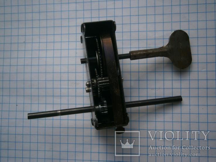 Заводной механизм к авто с ключиком, фото №2