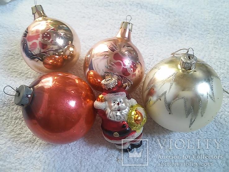 Елочные игрушки: Шары и Дед мороз. 5 шт. 1 - им лотом