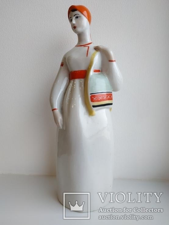 Женщина из Мукачево девушка с торбами ПЗХК фарфор СССР целая
