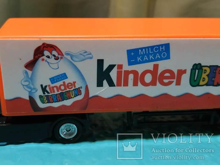 Грузовик из Германии с рекламой Киндер сюрпризов, фото №3