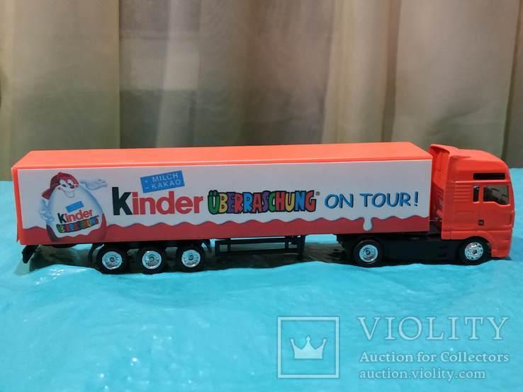 Грузовик из Германии с рекламой Киндер сюрпризов, фото №5