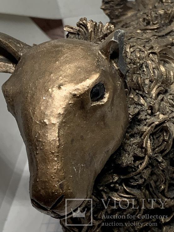 Бронзовая скульптура  «Овца с ягненком на спине», VB033, 1,7 кг, поврежденные уши, фото №8