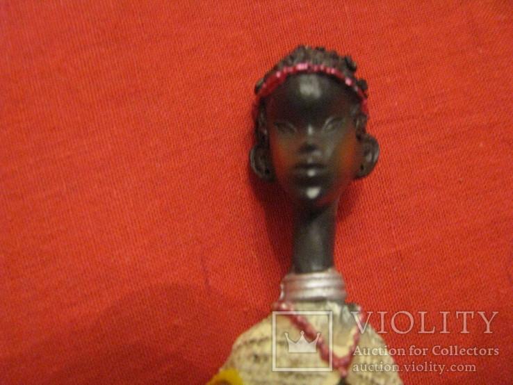 Статуэтка - Африка с копьём - полистоун - высота 25,5 см., фото №3