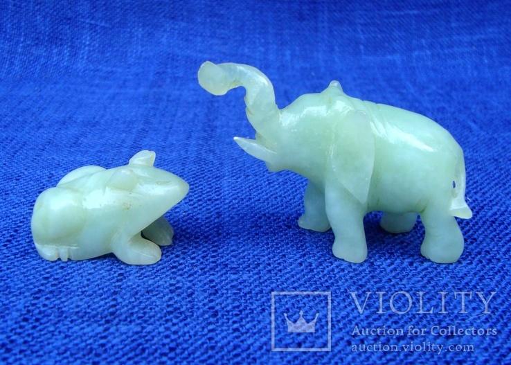 Слон и лягушка из оникса. Германия.