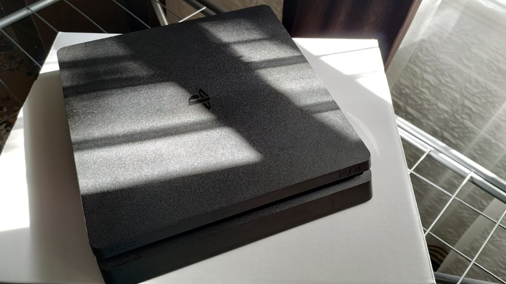 Продам Sony PlayStation 4 Slim 1000GB, фото №3