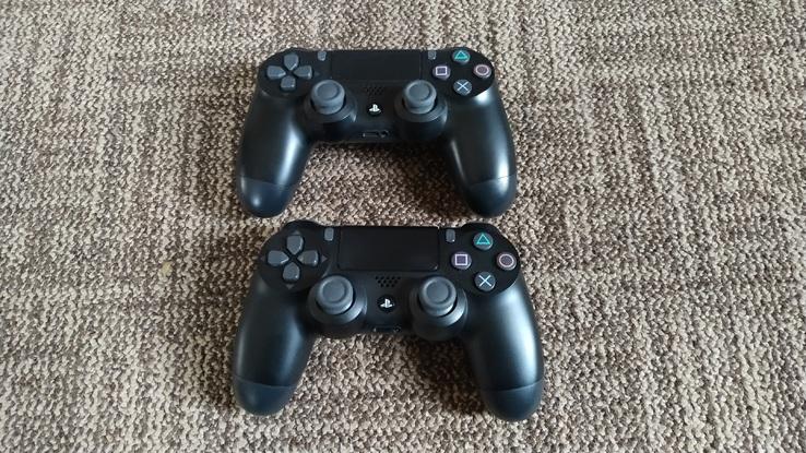 2 джойстика/геймпада Sony Dualshock 4 V2, фото №3