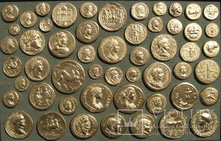 Золотые монеты античности. Копии, без стекла 31х21см., фото №3