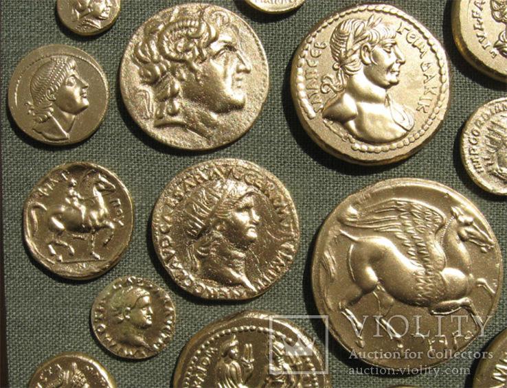 Золотые монеты античности. Копии, без стекла 31х21см., фото №7