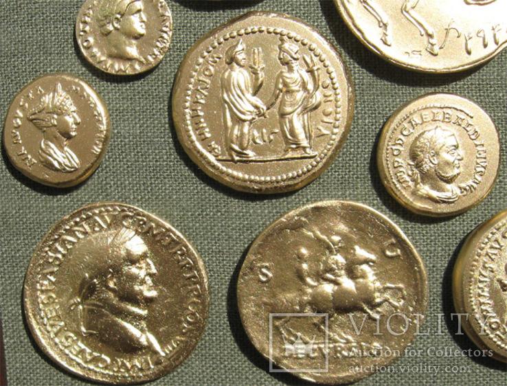 Золотые монеты античности. Копии, без стекла 31х21см., фото №10