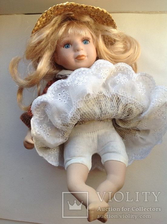 Фарфоровая кукла в соломенной шляпе, фото №6