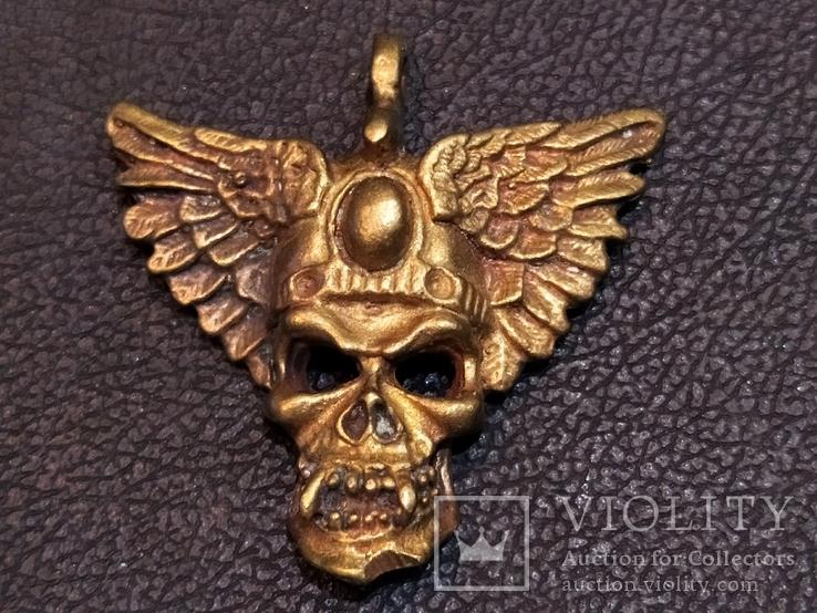 Череп с крыльями бронза брелок коллекционная миниатюра, фото №3