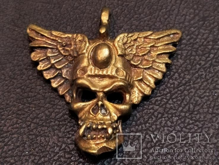 Череп с крыльями бронза брелок коллекционная миниатюра, фото №2