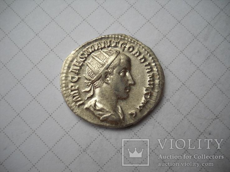 Антониан Гордиан (238-244)