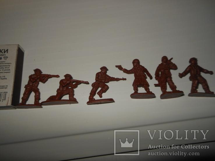 6 солдатиков, фото №3