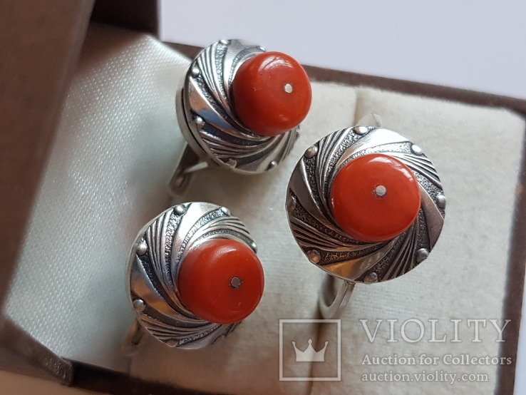 Набор кольцо + серьги. Серебро 925 проба.Коралл. Размер кольца 19, фото №3