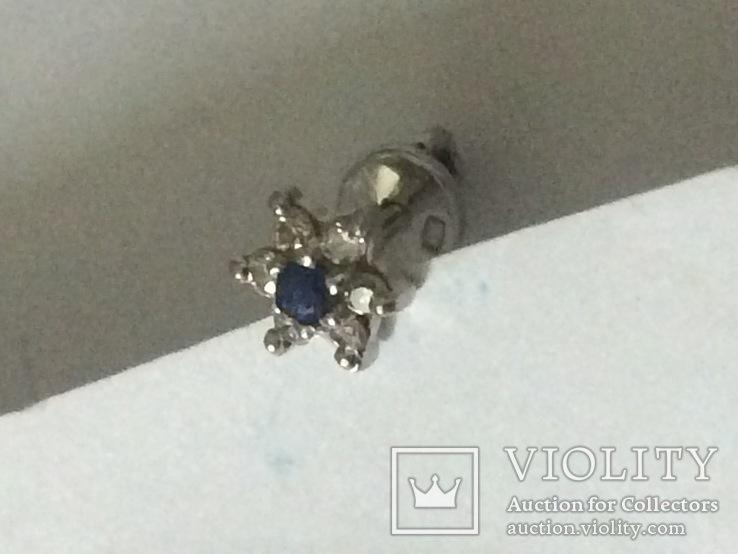 """Одна серёжка """"пусет""""из белого золота 585 пр. бриллианты+сапфир, фото №2"""