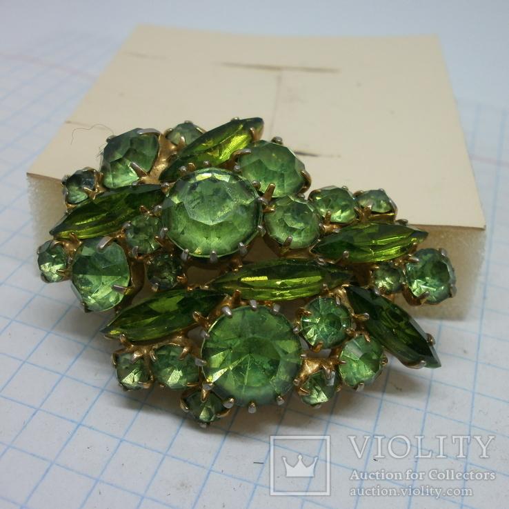 Брошь со светло-зелеными камнями. СССР (2)