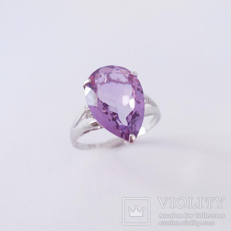 Золотое кольцо с натуральным аметистом