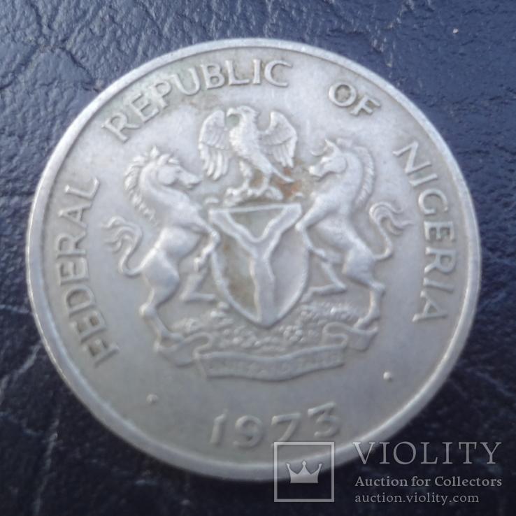 10 кобо 1973  Нигерия   (И.5.1)~, фото №3