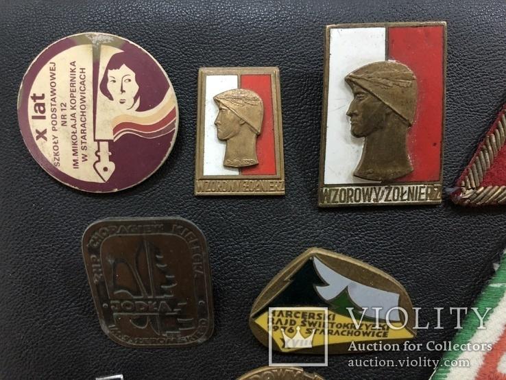 Иностаррые бронзовые значки, фото №3