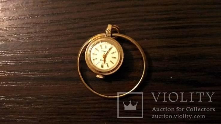 Жіночій годинник-кулон з позолотою, фото №2