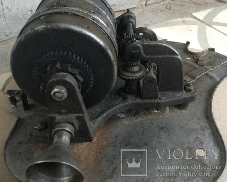 Старинный мотор к граммофону., фото №5